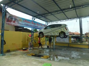 alma jaya car wash 07 300x224 Alma Jaya Car Wash